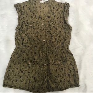 Blue Bird Women's Top olive green floral sz L